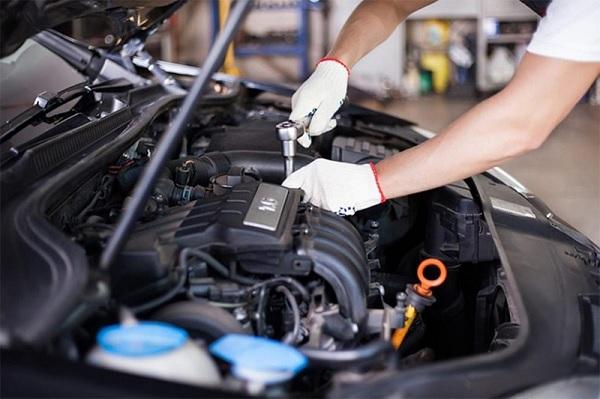 Vì sao bạn cần trang bị bộ dụng cụ sửa xe ô tô chuyên nghiệp?