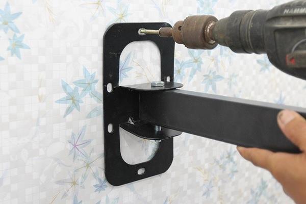 Hướng dẫn sử dụng máy bắn vít điện để bắt vít tường