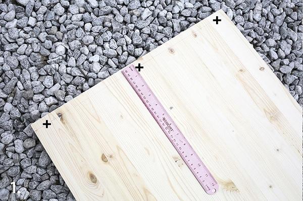 Đo kích thước các tấm gỗ