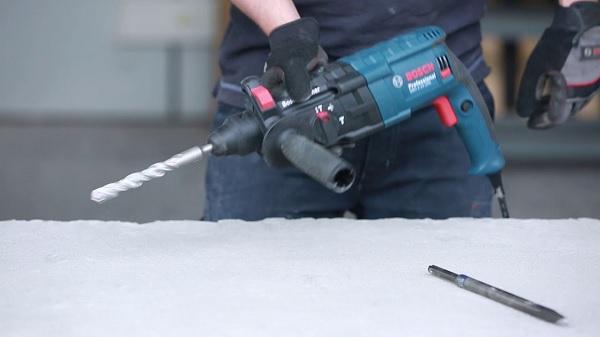 Máy khoan bê tông 3 chức năng Bosch GBH 2-24 DRE