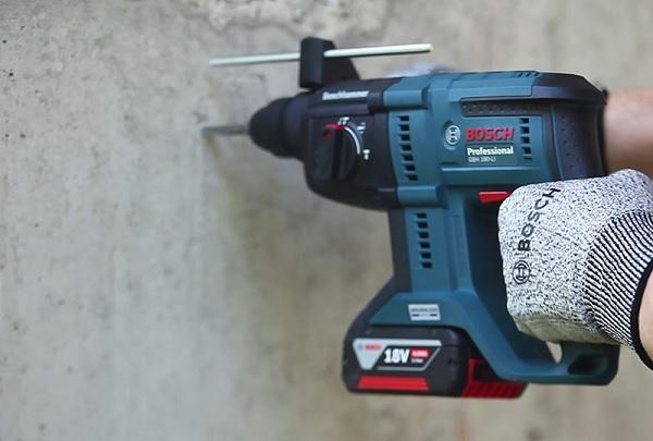 Máy khoan bê tông dùng pin Bosch GBH 180 Li BL