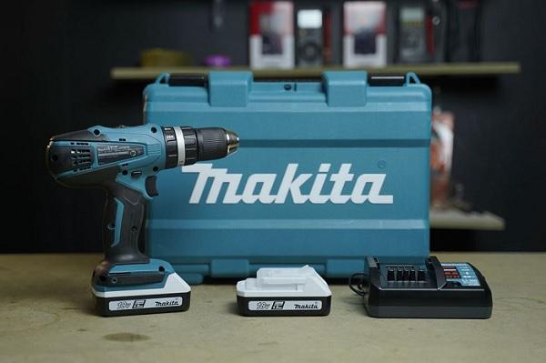 Đánh giá máy khoan pin Makita