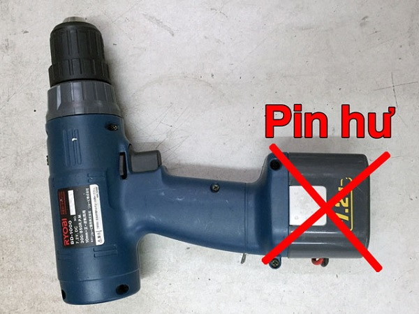 Cách sửa máy khoan cầm tay bị cháy pin