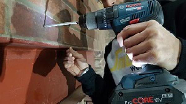 Máy bắn vít khoan tường Bosch nên chọn loại nào?