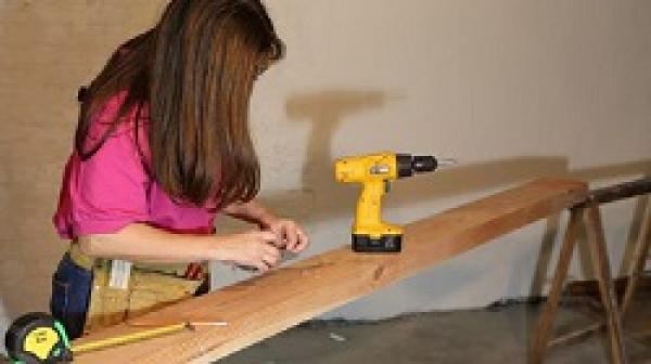 Máy khoan DIY là gì? Top 3 máy khoan dành cho dân DIY