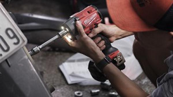 Dụng cụ sửa xe máy cho thợ chuyên nghiệp bao gồm những gì?